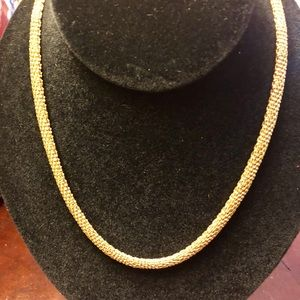 Jewelry - Beautiful Golden Necklace